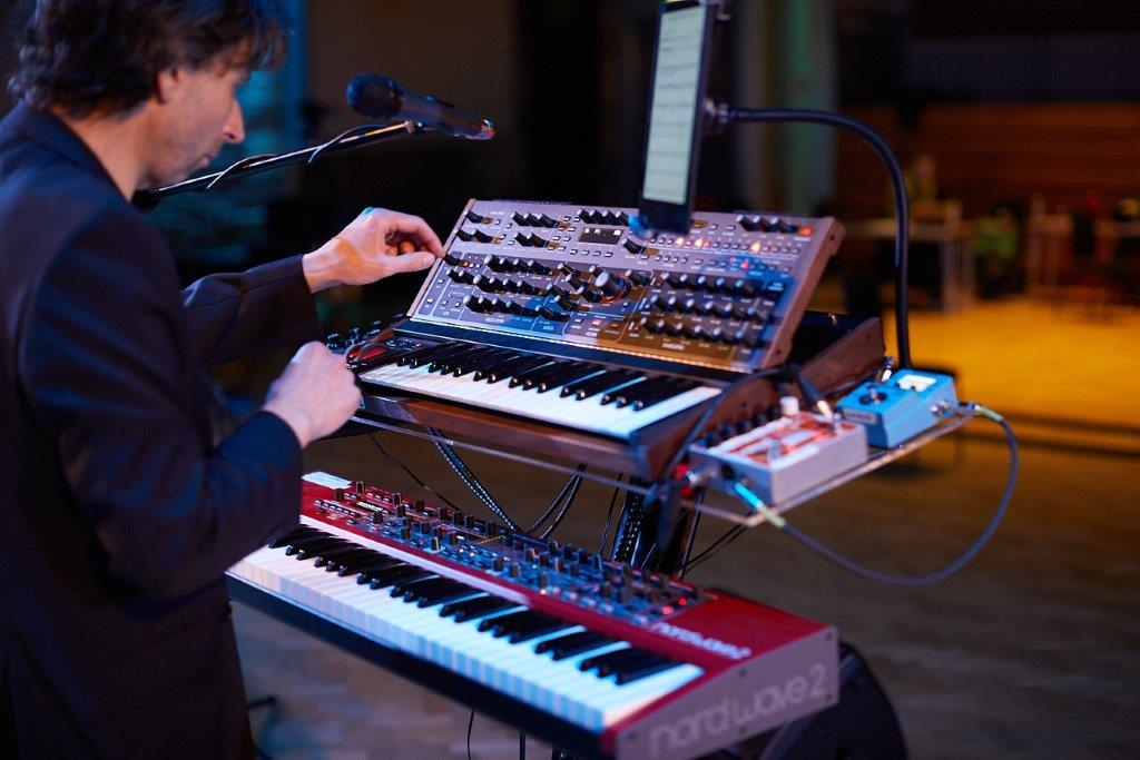 Bach's Friends Electric with Art of Moog